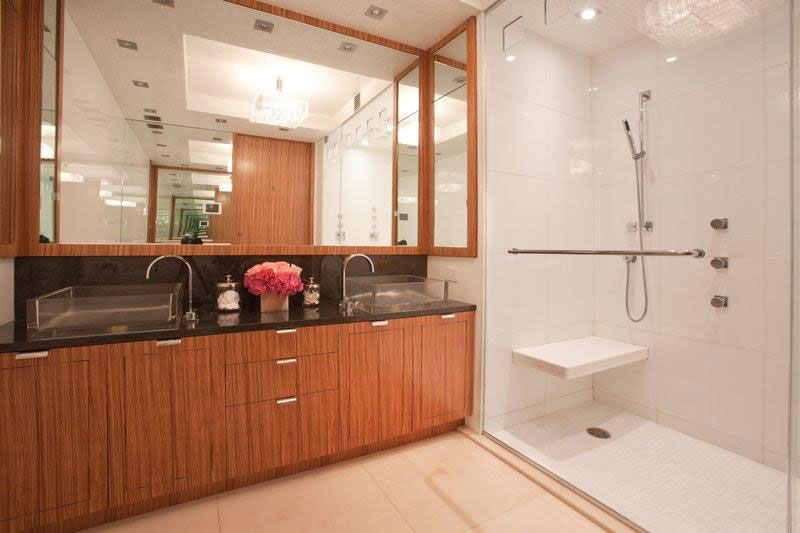 couples master bath