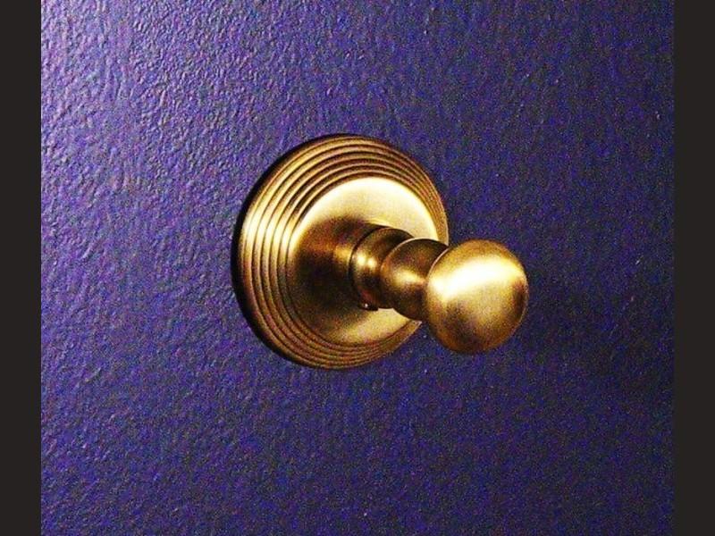 cristal et bronze 2010 cannele wall mounted robe hook. Black Bedroom Furniture Sets. Home Design Ideas