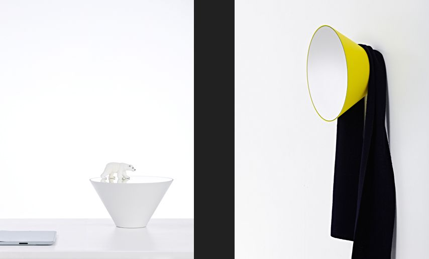 Deknudt mirrors reflect edvard small white oval for Small white framed mirrors