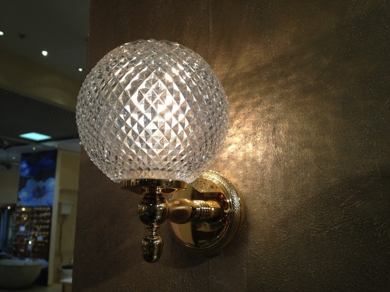 Cristal et Bronze 1831 Cisele Wall light Crystal Enclosed Globe